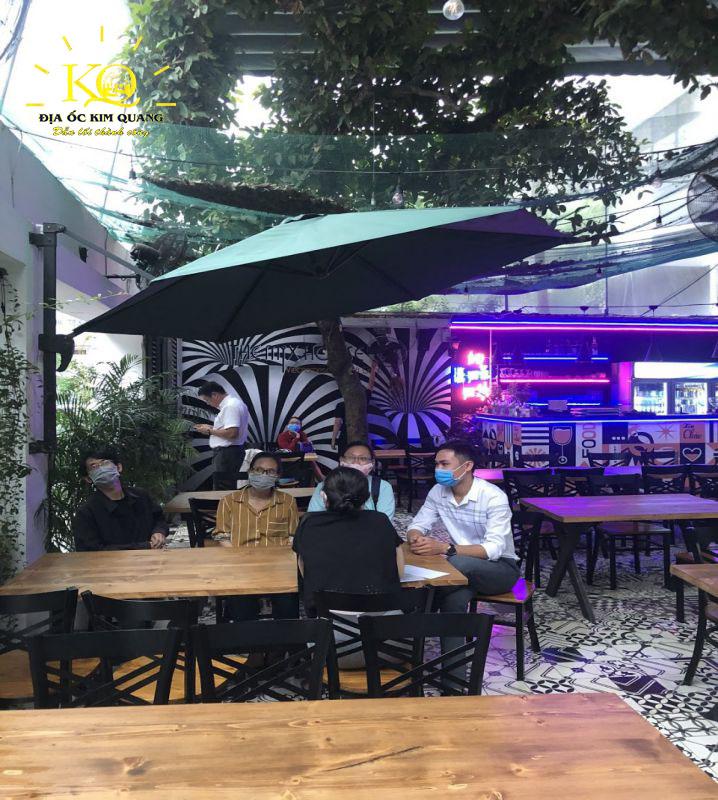 Khuôn viên tầng trệt nhà cho thuê nguyên căn đường Nguyễn Văn Thủ quận 1