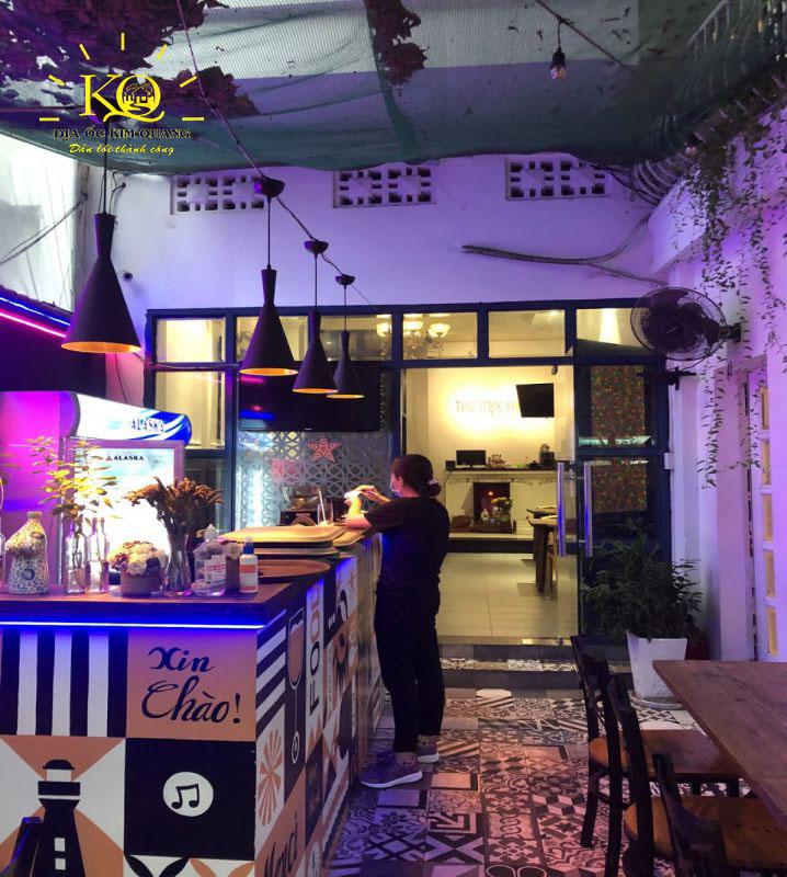 Không gian quán cafe nhà cho thuê nguyên căn đường Nguyễn Văn Thủ quận 1